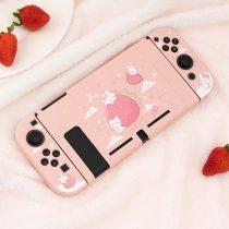 kawaii-strawberry-bunny-nintendo-switch-case