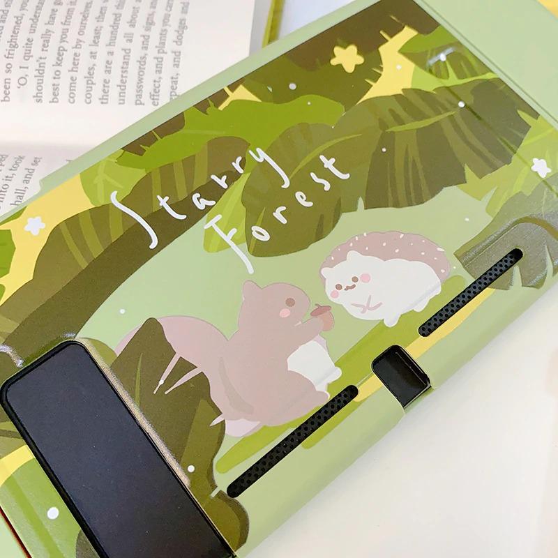 starry-forest-forest-animals-hedgehog-sq_description-20
