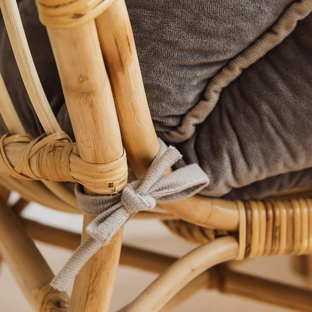 kawaii-bunny-ear-seat-cushion-2