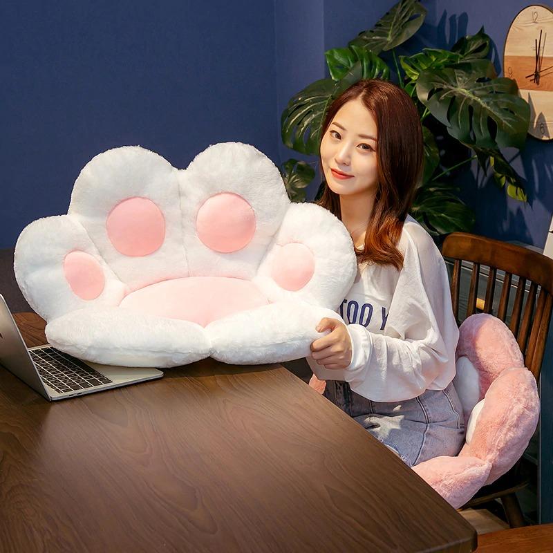 kawaii-cat-paw-seat-cushion-1