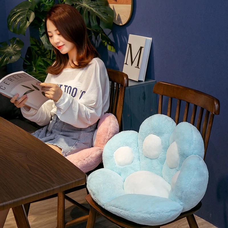 kawaii-cat-paw-seat-cushion-10