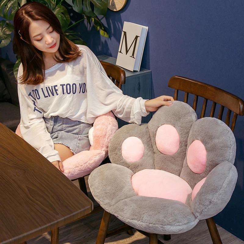 kawaii-cat-paw-seat-cushion-8