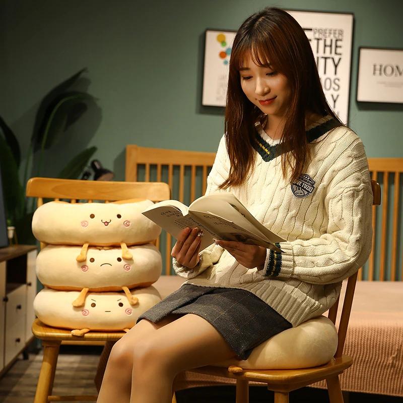 kawaii-donut-seat-cushion-5