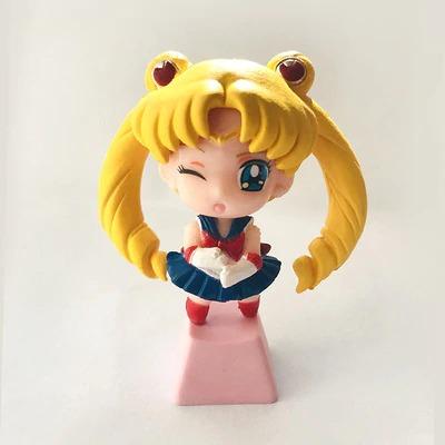 kawaii-sailor-moon-keycaps-1